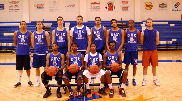 Men's Basketball Team. Photo by Pedro Zavala.