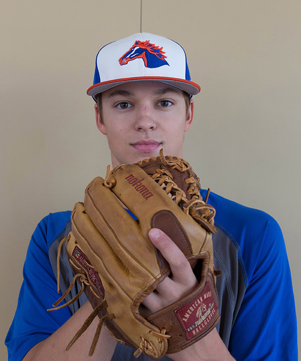 Elwer overcomes injury to take the mound again