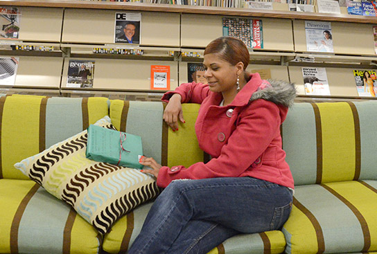 Georgia Highlands College's Floyd campus library encourages blind dates