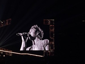 One Direction Member Niall Horan Performs a solo during the WWA tour, Photo By: Karlee Helms