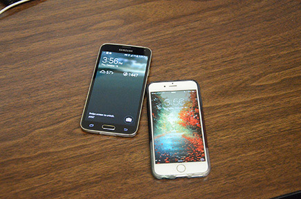Apple's iPhone 6 v.s. Samsung's Galaxy S5