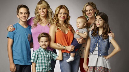 The Fuller House cast. Season 1 is now available to view on Netflix.