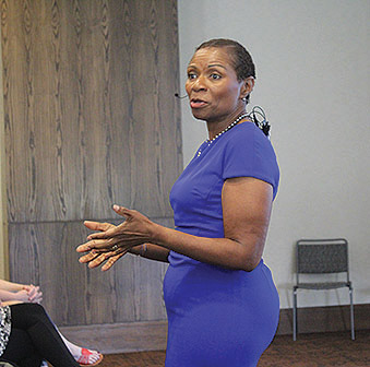 Lisa Williams spoke in the Cartersville ballroom to both students and faculty. Photo by Catie Sullivan