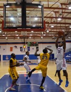 Ty Toney rebound