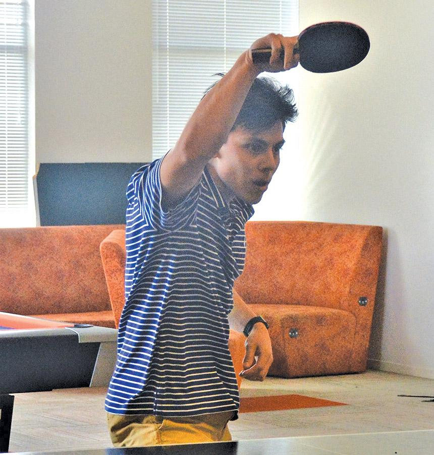 Six Mile Post holds Ping-Pong tournament