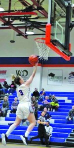 Jessica Eadsforth-Yates shoots a layup. Photo by Catie Sullivan