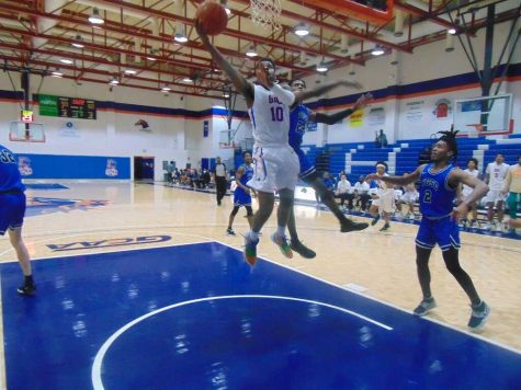 Mens basketball Chargers win home game.
