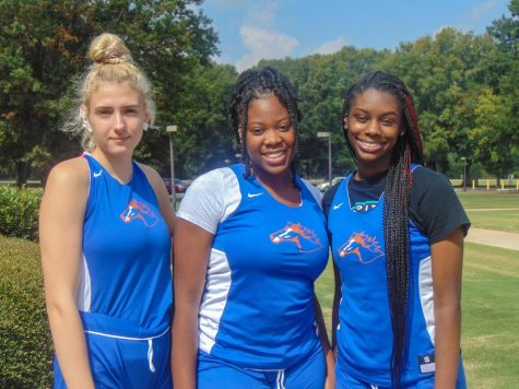 (Left to Right) Rita Kuhn, Jenee Edwards, and Jamariah Turner get ready for practice on the Floyd campus on October 1, 2021